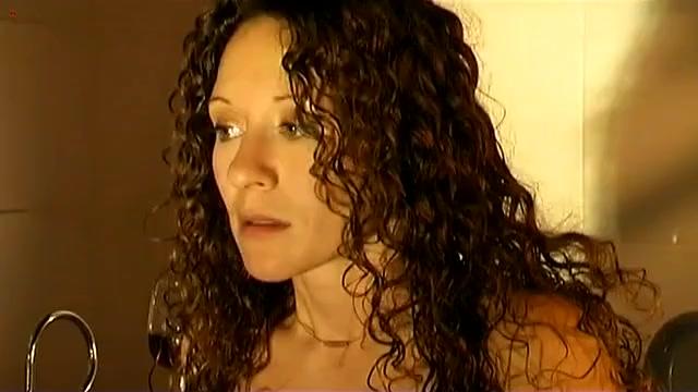 Der nackt Koogh van Ellen  Nude video