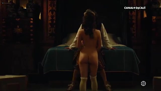 Nude versailles Versailles Nude