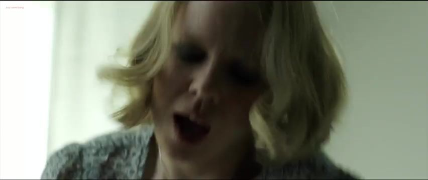 Amanda nackt Kathryn Amanda Holden