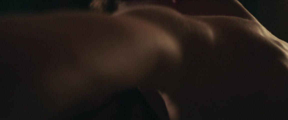 Eaton topless courtney Courtney eaton