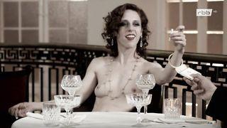 Nackt Caesar  Jessica A. Karen Gillan