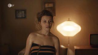 Nackt  Cornelia Werner 'Stateless' Netflix